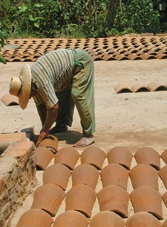 Drying out Roofing tiles in El Salvador